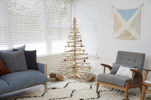 One Two Tree Christmas Tree and Linen Nautical Flag M1
