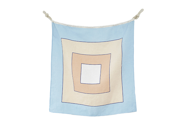 Linen-Nautical-Flag-W