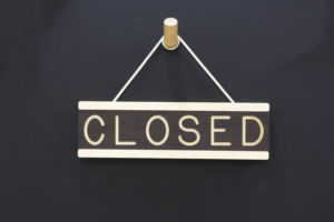 Small Open/Closed Sign Wooden Hanging - One Two Tree Designs